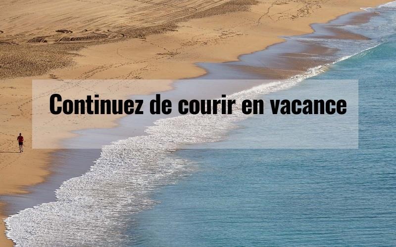 image d'une plage avec des vagues sur le sable